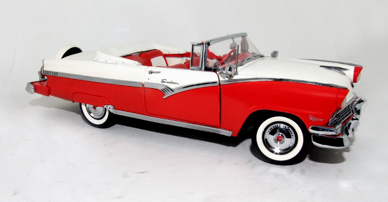1956 Ford Fairlane Sunliner Convertible | usamodellbilar
